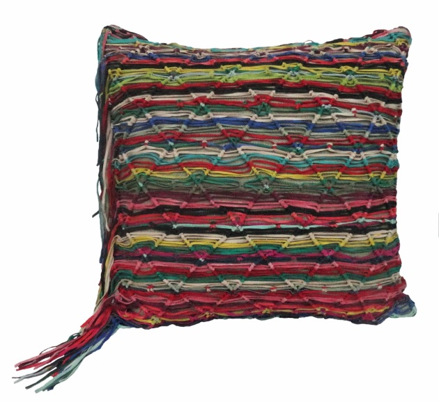 almofada-macrame-multicolor-a